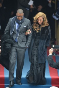 Image via: www.fashionista.com; Photo credit: JEWEL SAMAD/AFP/Getty Images