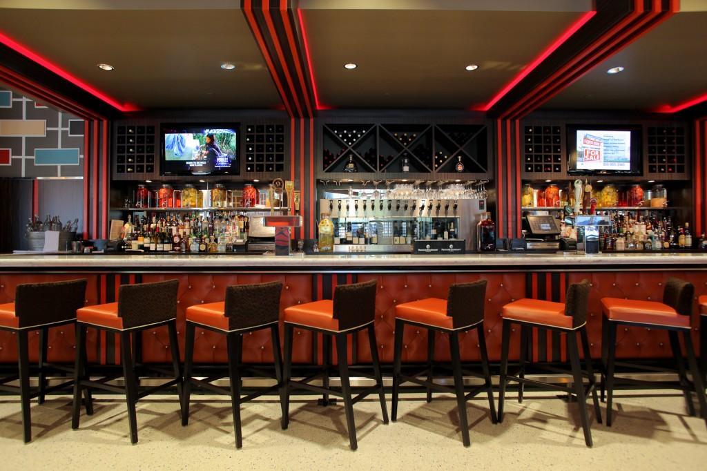 Skylark on the Hudson's bar